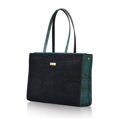 Business-Tasche Classy in Schwarz und Grün von der Seite mit weißem Hintergrund